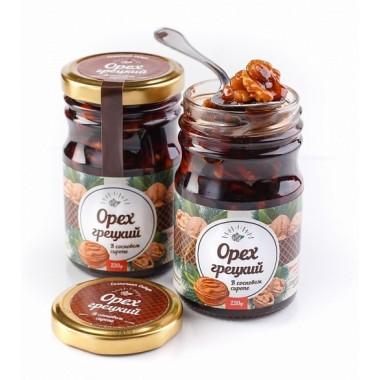 Грецкий орех в сиропе из сосновой шишки Солнечная Сибирь 220 гр